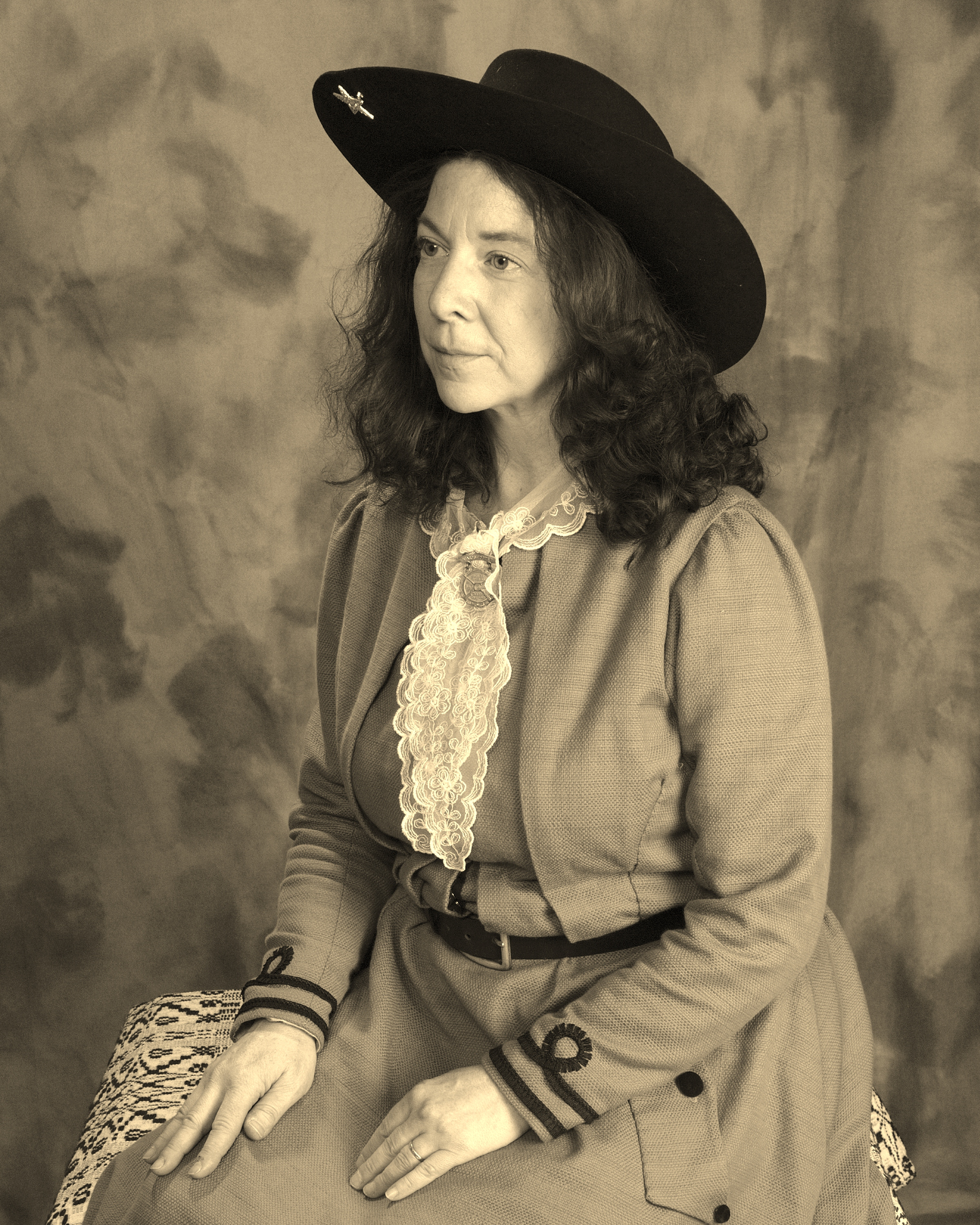 Annie_Oakley_Seated_2 (2)